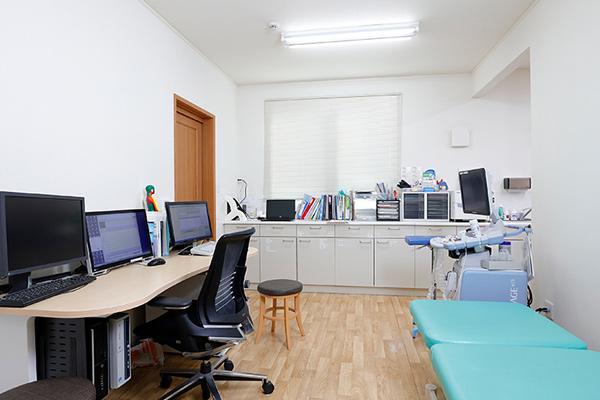 ひがしリハビリテーション・整形クリニック 診察室