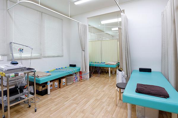 ひがしリハビリテーション・整形クリニック 処置室
